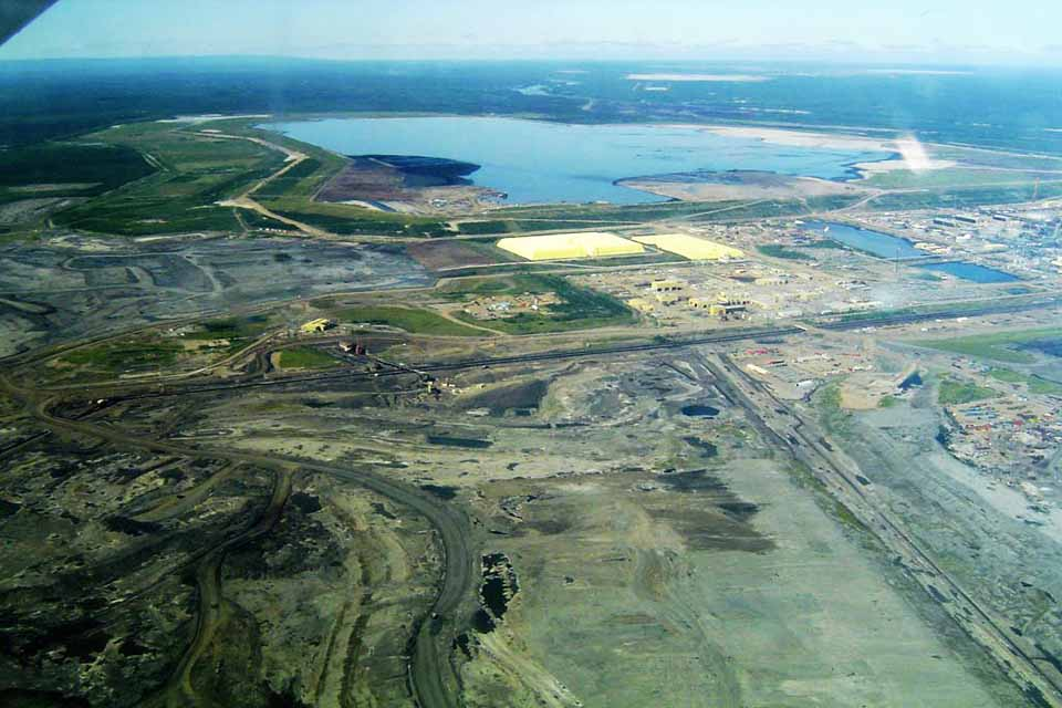 Athabasca-Oilsands-Syncrude-Mildred-Plant